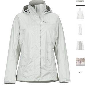 Marmot rain jacket in platinum. Size small.